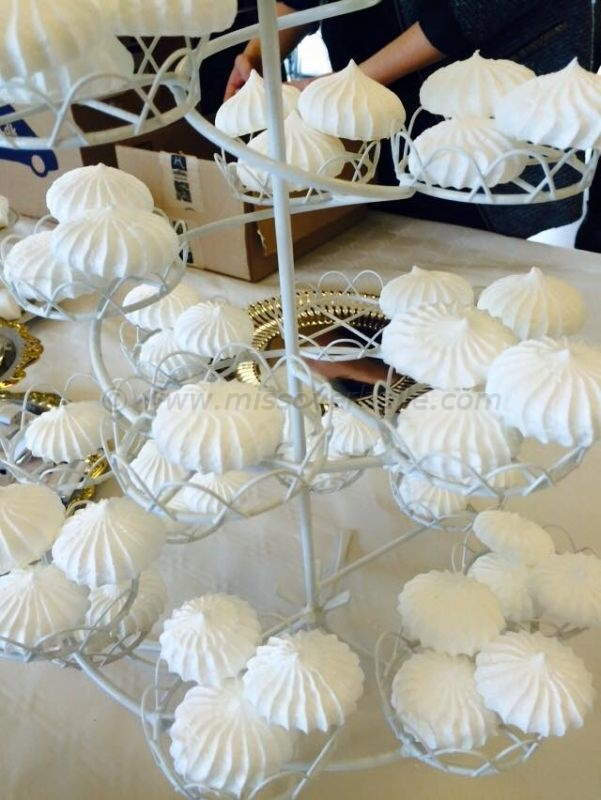 A Whirl of Meringues