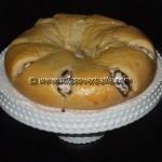 Daring Bakers – Meringue filled coffee cake